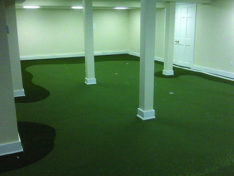 Tour Greens | Indoor Putting Greens