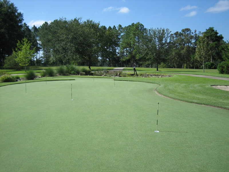 Tour Greens Outdoor Putting Greens